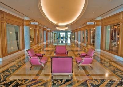 Hotel Empire, el hotel de las seis estrellas, considerado el más lujoso del sultanato