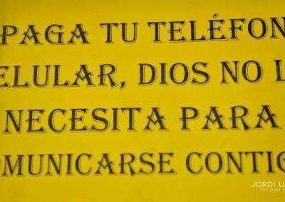 Letrero dentro de una iglesia, San Agustín