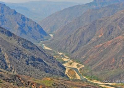 Volando en parapente por el cañón del Chicamocha