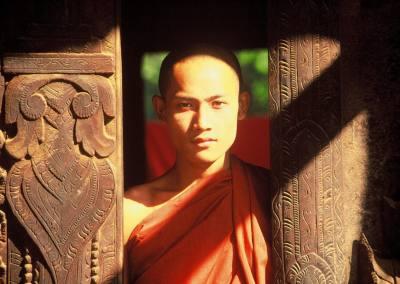 Fe budista, Templo Shewenandaw-Kyaung, Mandalay