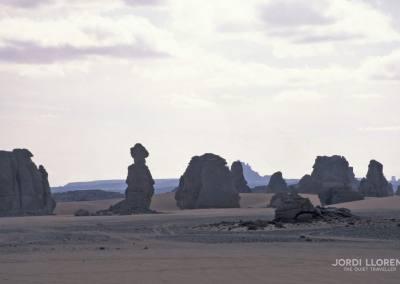 Paisaje lunar del desierto de Akakus