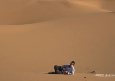 Que pequeños que somos en la inmensidad del desierto de Akakus