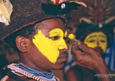 Maquillaje y pintura, ceremonia  Singsing, Goroka