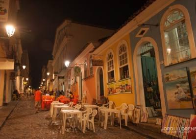 Ambiente nocturno en las calles de Salvador de Bahía