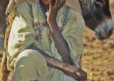 Atractiva vendedora del mercado de Bahir Dar