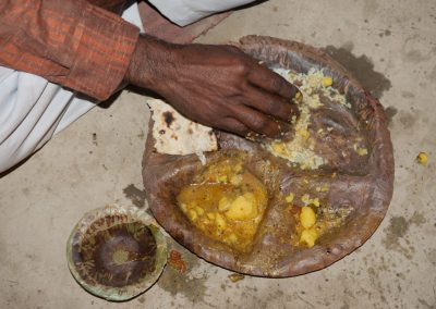 Se hacían tres comidas al día, en que se comía arroz, brócoli y chapata