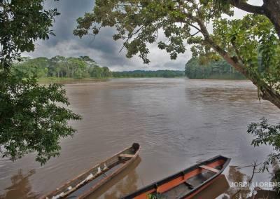 Barcas en el río San Juan