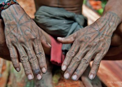 Con el cuerpo tatuado se presentan bellos a los ojos de los espíritus